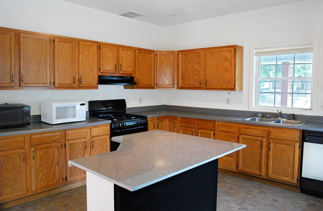 Lincoln-Streeet-House-rental-kitchen