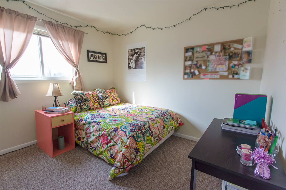 Woodstone Apartments For Rent Bloomington Indiana In
