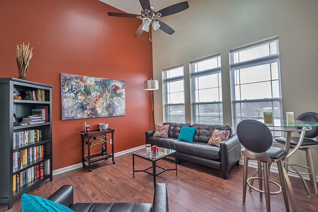 tenth-and-college-horizons-apartments-bloomington-IN