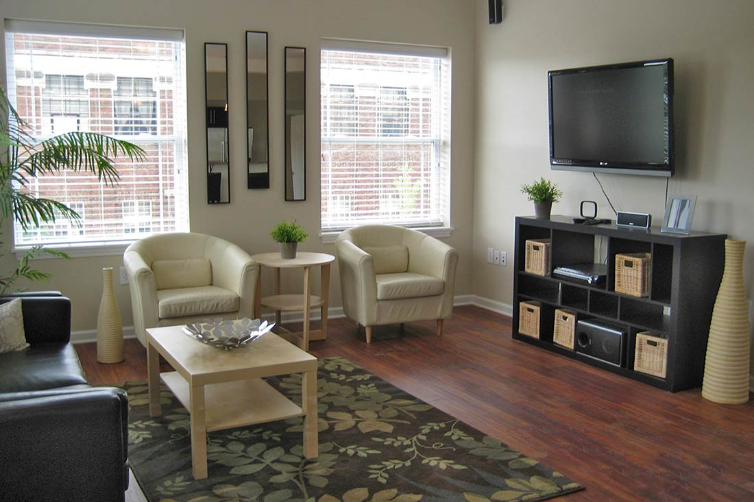Tenth college village cedarview management - 4 bedroom apartments bloomington in ...