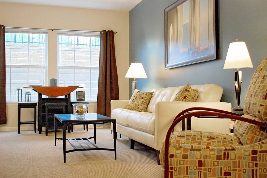 East bay cedarview management apartments houses for - 4 bedroom apartments bloomington in ...